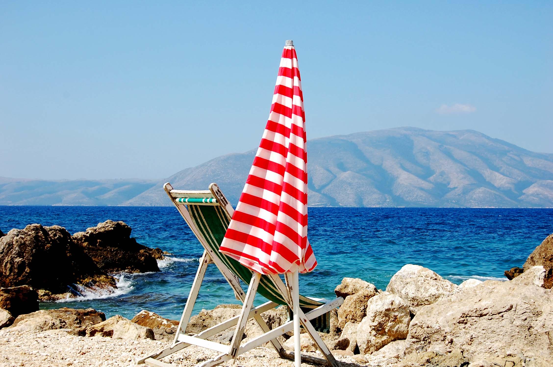Vlora - plaża (góry w tle)