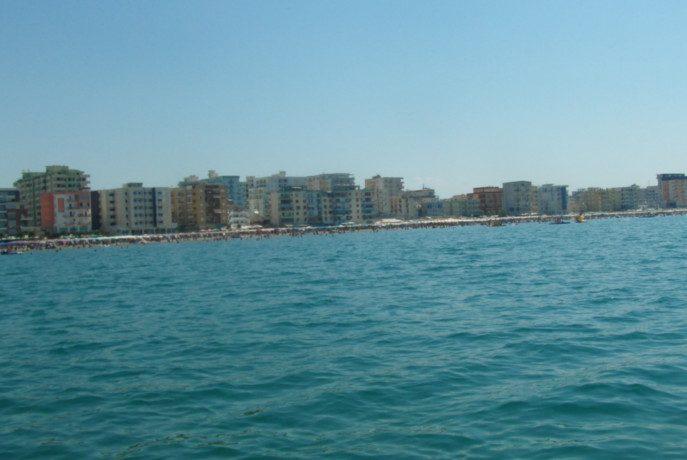 Plaża w Durres od strony morza